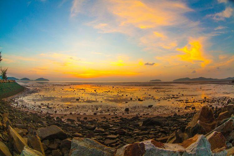 Looking Into The Future Sunrise Phuket Sunrise_Collection Sun Morming Createfoto Sea Sea View Vacantion