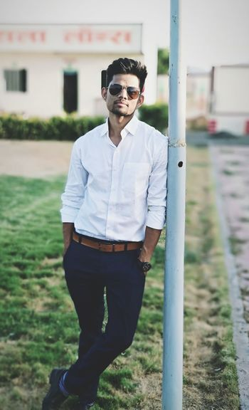 Business Men Standing Beard Portrait Young Men Fashion Front View Individuality Sunglasses