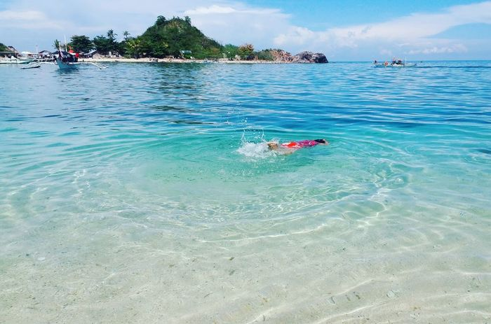 Take a dip under the heat. Summerph Nature_perfection PhIslands Islahigantes