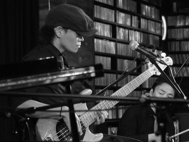 OSAKA Japan ASIA Suita Take Five Natsuki Morikawa Live Jazz Music Hiroshi Asai Bass Playing Olympus PEN-F 大阪 日本 吹田 森川七月 麻井寛史