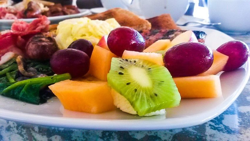 Fruit Kiwi - Fruit Freshness Food Variation Pineapple Healthy Eating Food And Drink SLICE Close-up No People Indoors  Kiwi Fruit Salad Grapes Melon Spinach Mushrooms Toasted Bread Breakfast Plate Eggs... Sausage Freshness