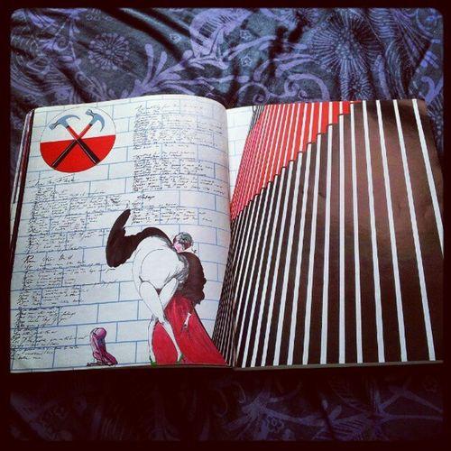 'Art inside 'The Wall' songbook' Pinkfloyd Thewall GeraldScarfe Hammers TrustUs RogerWaters DavidGilmour NickMason RichardWright ClassicRock igtube Igers igdaily insta_shutter instagood instamob instamood instagrammers