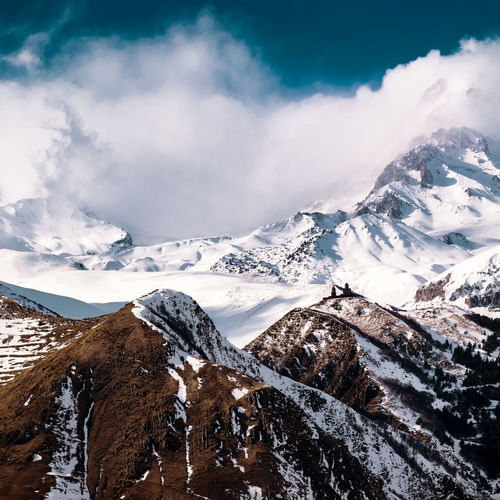 Mountain Snow Mountain Range Nature Snowcapped Mountain Scenics Landscape Beauty In Nature Winter Mountain Peak Travel Destinations Cold Temperature No People Outdoors Vacations Adventure Tranquility Day Power In Nature Sky