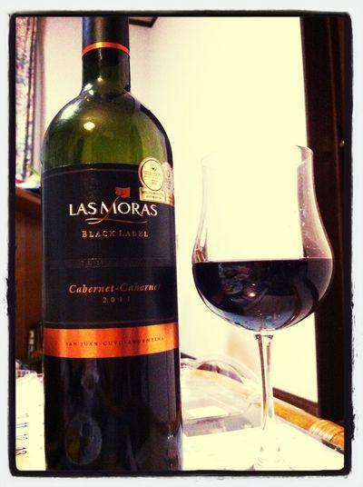 胃が回復したところで、自分へのご褒美にアルゼンチンワイン(笑) Las Moras black label、どっしりした重さはないけど飲みやすい赤でした。やっぱ健康的に嗜む程度が一番ですねw