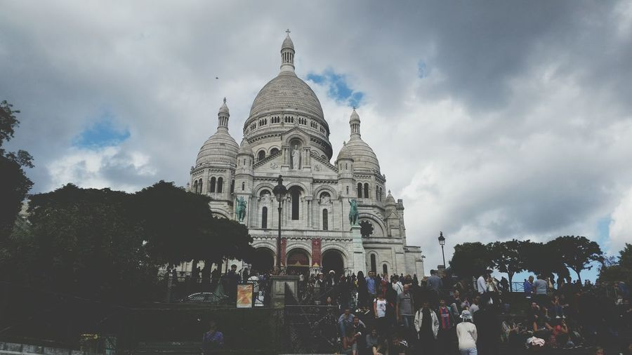 Architecture Religion Cloud - Sky Tree History Sky Travel Destinations Built Structure Dome Outdoors Building Exterior Day People Travel Photography Paris Paris, France  Parisian Church Sacre Coeur Sacré-Cœur De Montmartre Sacré-coeur, Paris Sacré-Coeur Visiting EyEmNewHere Eyeemphotography