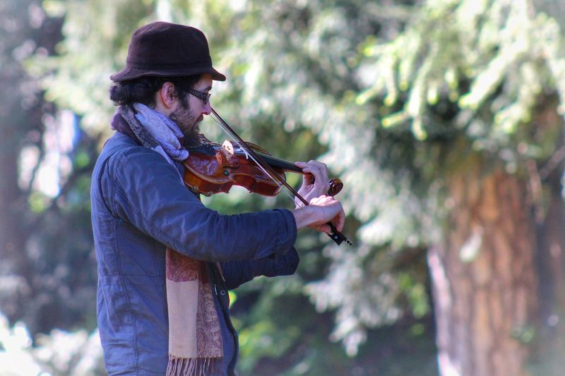 Concentration EyeEmNewHere Music Musician Violin Nature Springtime Anonymous Lyon France Europe Nofilter