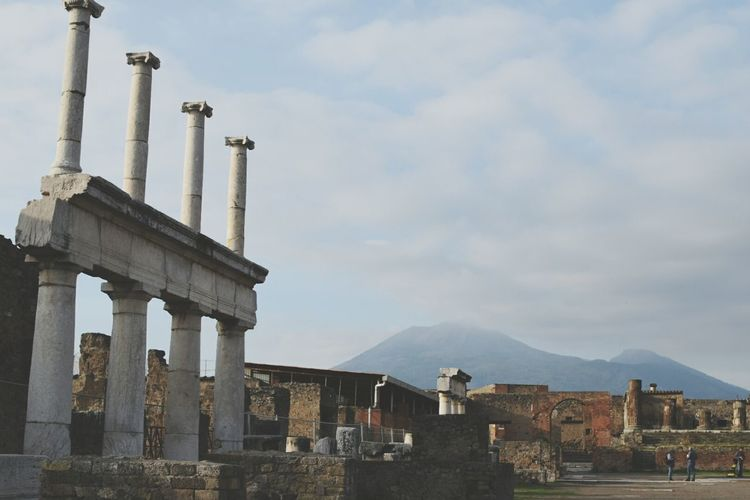There and back again. Ancient towns and ancient mountains. Pompeii  Naples Italy Ancient Ancient Architecture Mount Vesuvius Volcano Landscape EyeEm Nature Lover EyeEm Best Shots Week On Eyeem Check This Out Wanderlust