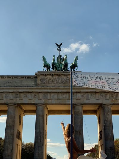 Berlin Brandemburger Tor Architecture Sculpture Architectural Column Sky Statue Travel Destinations Representation