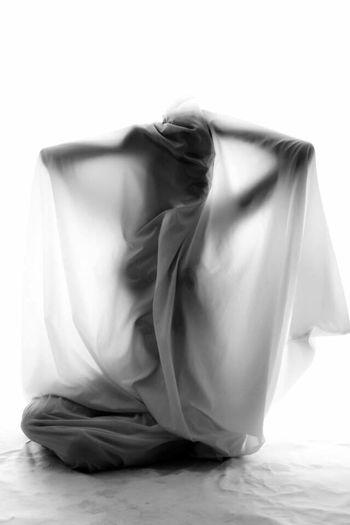 White Background Studio Shot EyeEmNewHere Shiluette Wet Studio Nude-Art Young Women Girl