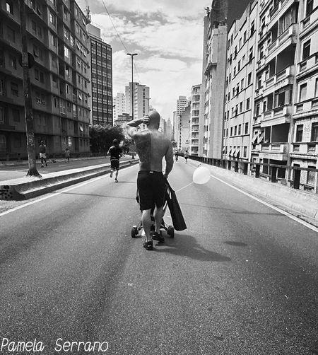 Walk Urban Andar Caminar Walking Around The City  Dad And Son Blackandwhite