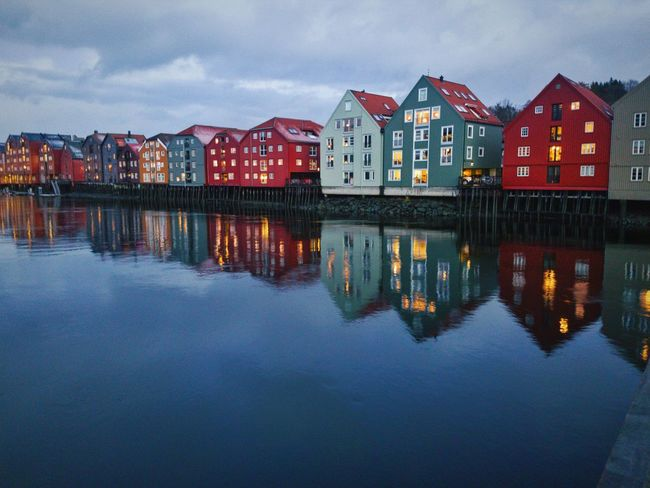 Reflection Water Architecture Outdoors Norway Norway🇳🇴 Norwegian Winter NorwayTourism Architecture Trondheim Trøndelag No People Oslo, Norway Wintertime Bryggen Bakklandet Building Exterior Built Structure Loneliness Nidaros Norwegian Landscape Reflection Simetry Trondelag Cold Temperature The City Light The Architect - 2017 EyeEm Awards Neighborhood Map The Street Photographer - 2017 EyeEm Awards Place Of Heart Adventures In The City