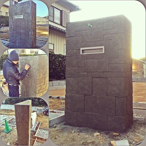 ✨菊川市✨ 門袖モルタル造形完了(^^) お家の外壁に似た感じで、石を積んであるイメージに 仕上げましたよー🔨 後は着色、表札、門灯を取り付けして完成です👏 ここの現場もあと少しで完工ですm(_ _)m 喜んでもらえるように残り頑張ります💪 三京 Sankyo モルタル造形 エイジング塗装 石積み 最後まで 良い物 頑張る 表札 片桐涼 まだまだ これから