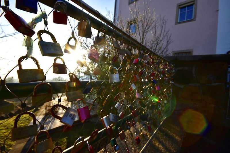wedding key locks since well before 1944 Built Structure Architecture Building Exterior No People Large Group Of Objects Hanging Day Security Multi Colored Protection Nature Outdoors Abundance Variation Choice Safety Love Padlock Plant Building Key Locks Wedding