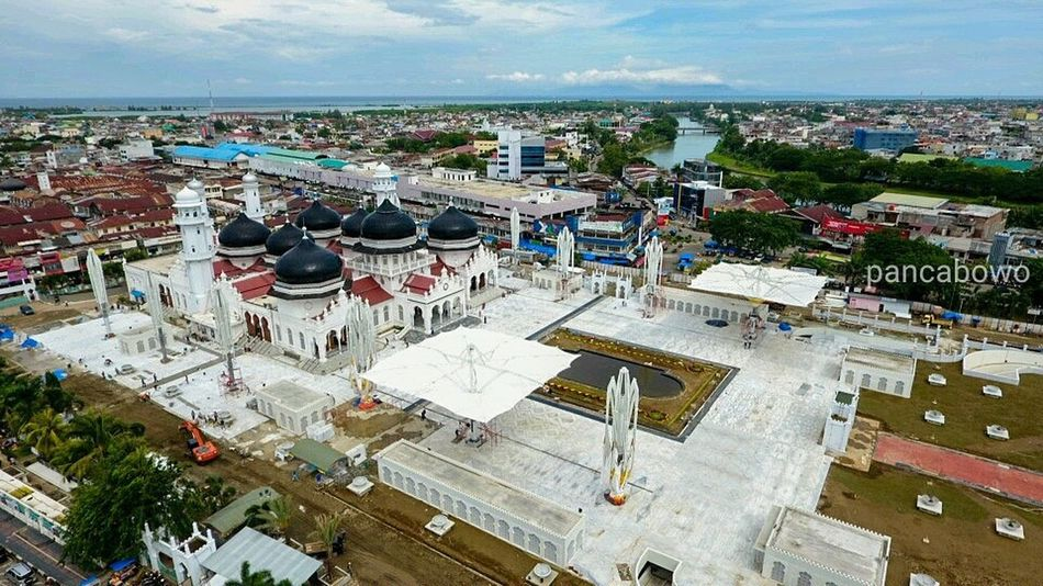 Wellcome Aceh,Indonesia High Angle View Travel Destinations Tourism Cityscape Amusement Park Ride Sea City Horizon Over Water Outdoors Ferris Wheel Amusement Park Crowd Sky Day Pilotdroneciletcilet Photography Pancamedia Aceh, Indonesia Mosque Loveaceh Turism Drone  Dronephotography Stunami