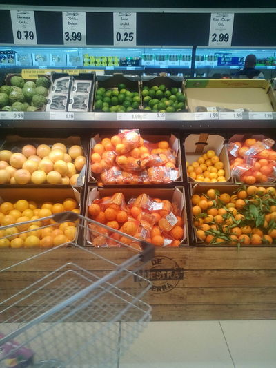 Freshness Food Food And Drink Indoors  Retail  Large Group Of Objects Healthy Eating Market Fruit For Sale Supermarket Supermercado Frutas Y Verduras Frutas Compras