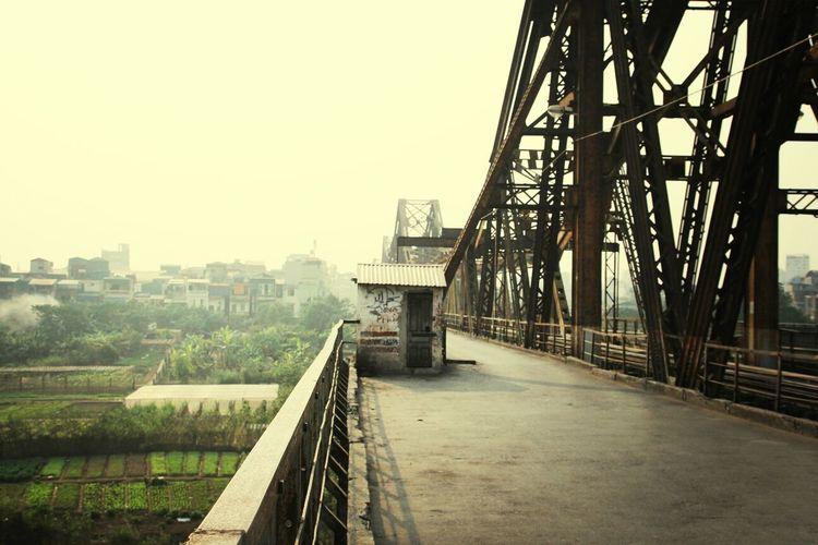 Hanoi Longbien Bridge Hong River