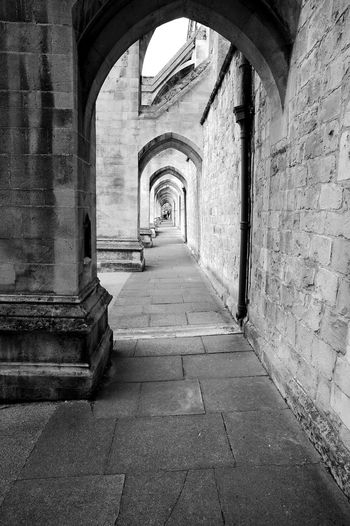Winchester Cathedral Arcade Blackandwhite Black And White Arcade Winchester Cathedral Diminishing Shrinking Medieval