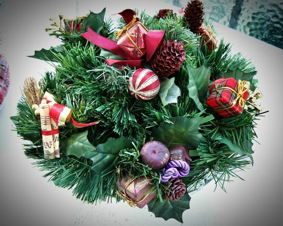 Preparing Christmas. Unykaphoto Christmas Vintage Christmas Christmastime Christmas Decorations Christmas Ornaments Vintage Christmas Decorations HolidayMarketing Celebration