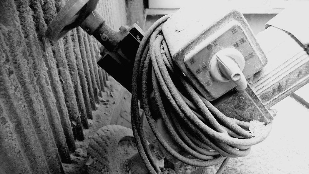機械 Close-up Residential Structure Cleaning Equipment Cleaning Product Residential District Watermill Broom Human Settlement Washing Up Glove Spray Bottle Bath Sponge Residential Building Housework Settlement TOWNSCAPE Cleaning Sponge Water Wheel Möp Window Washer Building Scrubbing Sweeping Exterior Cleaner Dusting Rushing