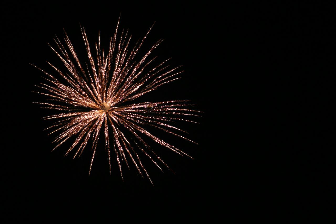 firework display, firework - man made object, celebration, exploding, night, long exposure, event, arts culture and entertainment, low angle view, glowing, motion, no people, clear sky, firework, illuminated, outdoors, sky