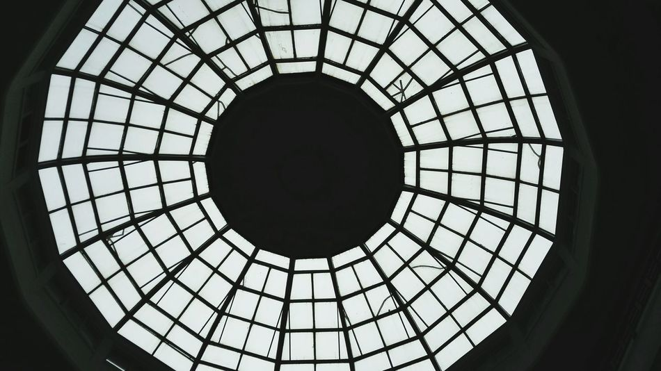 Ceiling Indoors  Architecture Low Angle View Pattern Built Structure Circle Skylight Directly Below Geometric Shape Glass - Material Architectural Feature Design Dome Architectural Design Close-up Concentric Sky Day Modern