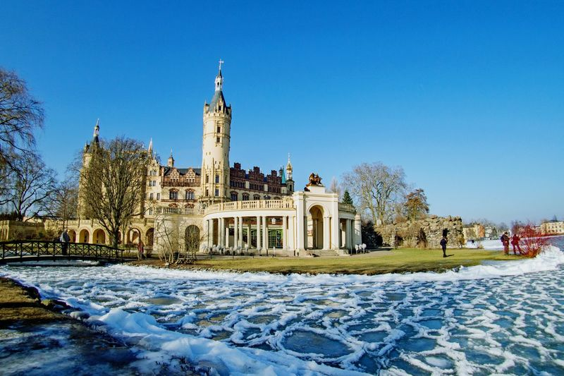 Snow Winter Travel Destinations Cold Temperature Clear Sky Architecture Blue Outdoors At The Park Check This Out Winter Schwerin Castle Schweriner Schloss Schwerin Castle Schwerin Mecklenburg-Vorpommern Hello World Ice Frozen Walking Around Beauty In Nature Taking Photos Homeiswheretheheartis Water