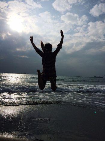 Seaside Sky Flying High Girls Trip Photo Sun ☀