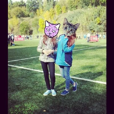 Olay Vika Friends Football