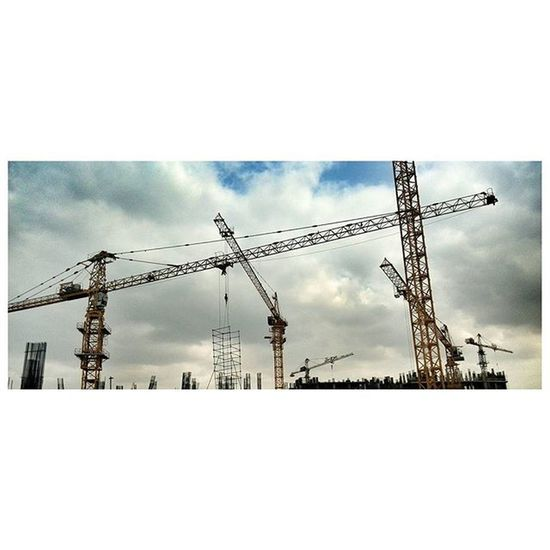 Sky Cloudy Blue Tower Crane After Hard Work Citystar Civil Engineer Concerte Project Spring In Summer Zoomlion Potain Tower Traffic Good Wheather Crane traffic at work