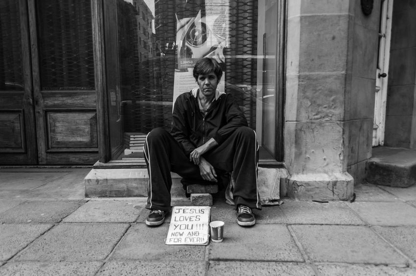 A homeless man sitting on the sidewalk in Pretoria cbd begging for money. Streetphotography Jesus Southafrica Homeless Begging Documentaryphotography Portrait City Life Nikon Pretoria