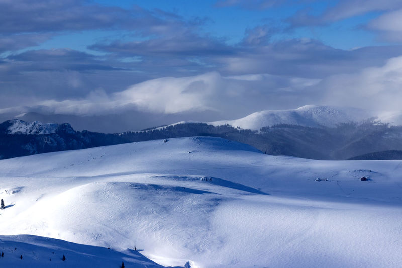 Cold Temperature Winter Snow Cloud - Sky Scenics - Nature Sky Tranquil Scene Environment Mountain Tranquility Non-urban Scene Beauty In Nature Landscape Nature No People White Color Day Snowcapped Mountain Covering