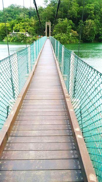 Taiwan Laid-back Travel Friends Sister Family Date October Beautiful Lake Tree Scenery Bridge Shinchu 台灣 新竹 寶山 水庫 旅行 出遊 風景 愜意 放鬆 走走 散心