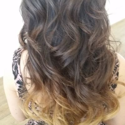 BlowOut and perfected with the 3daybender Blowoutoftheday Blowout Curls brunette hairstyle