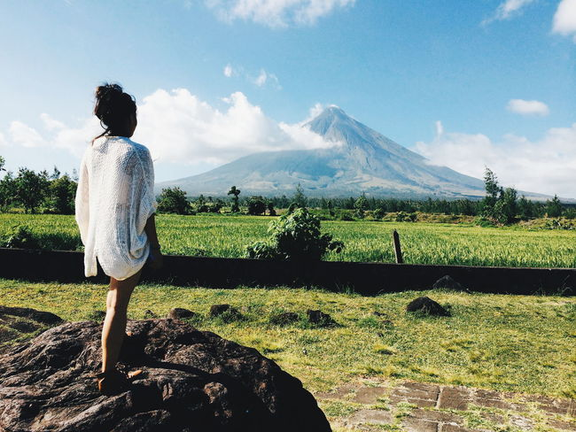 When in Bicol... I love this province. The locals are very warm. :) Outdoors Summer Nature Mountain_collection Mt Mayon Bicol, Philippines Pinas Muna Travel Destinations Vacations One Young Woman Only Travel Philippines Abrileverywhere
