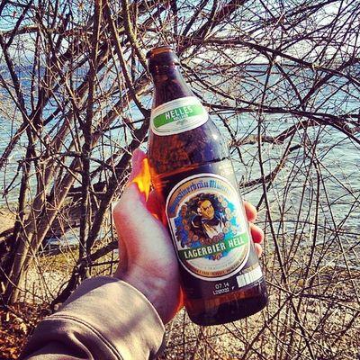 A Traum! Bier um vor vier! #MiaSanMia #Augustiner #BeerTweet #Fernprost #StarnbergerSee Augustiner Beertweet Fernprost Starnbergersee Miasanmia