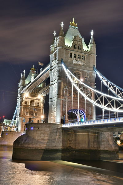 LONDON❤ London Nightphotography Tower Bridge  Architecture Bridge - Man Made Structure Building Exterior Built Structure Bulb Chain Bridge City Connection Illuminated Langzeitbelichtung Night Night View Night Vision No People Outdoors Sky Tower Bridge London Transportation Travel Travel Destinations Water