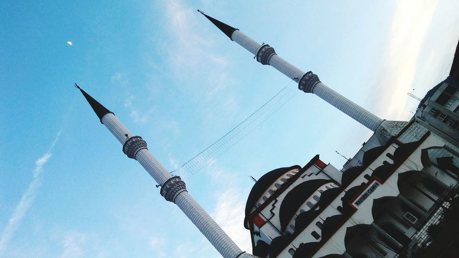 Low Angle View Airshow No People Outdoors Day Sky Air Vehicle Moon Shots Mosque Kayseri Mosque Bosnia And Herzegovina Eye4photography