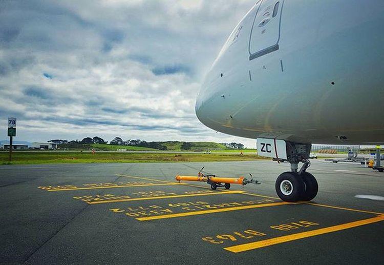 Aiport Airside Pilot Clouds 787 B787 Plane Airnzshareme