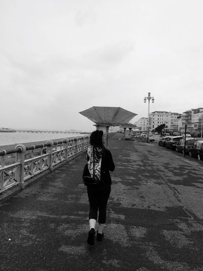 Blackandwhite Black And White Black And White Photography Black & White Black Background Umbrella Umbrellas Check This Out Taking Photos Yolo YOLO ✌ Original Experiences Walking Around Gold Moments Taking Photos Feel The Journey The Mix Up Fine Art Photography