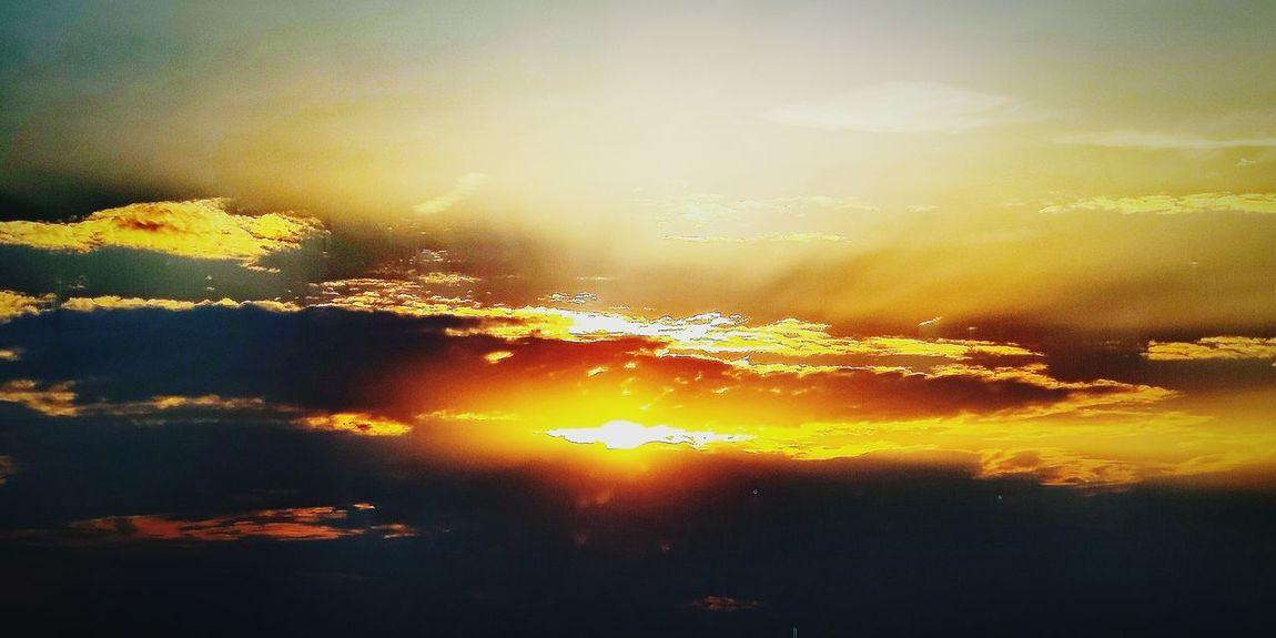 Good morning Sun ☀️ 💢 Project790301 💢 Zle_slowa_w_dobrej_duszy Project790301 Mysl Nasirlnd Dobryduch Umysł Mocduszy Mocserca Wemnie Wnas Poland 4her Polska Brain Blowmind Withoutname Sunset Water Backgrounds Full Frame Sun Sky Close-up Sky Only Flock Of Birds Hot Air Balloon Spread Wings Seagull Pixelated Cursor