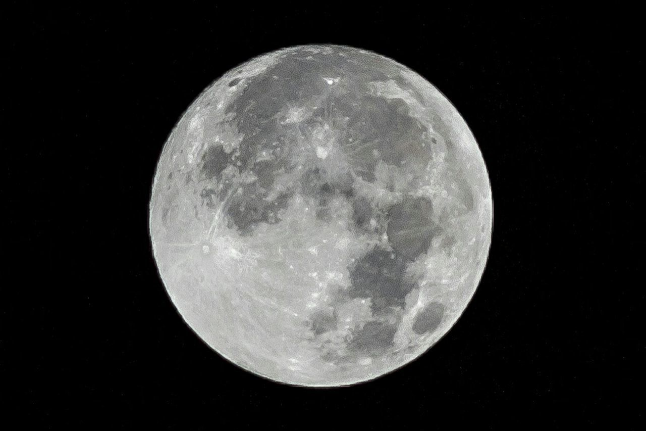 night, moon, astronomy, moon surface, planetary moon, full moon, beauty in nature, space exploration, nature, no people, tranquility, scenics, outdoors, space, close-up, discovery, sky, half moon, satellite view