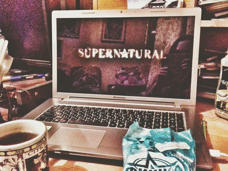 Relaxation Day Looking At Camera Dirt Road Supernatural Supernatural ❤ Superna