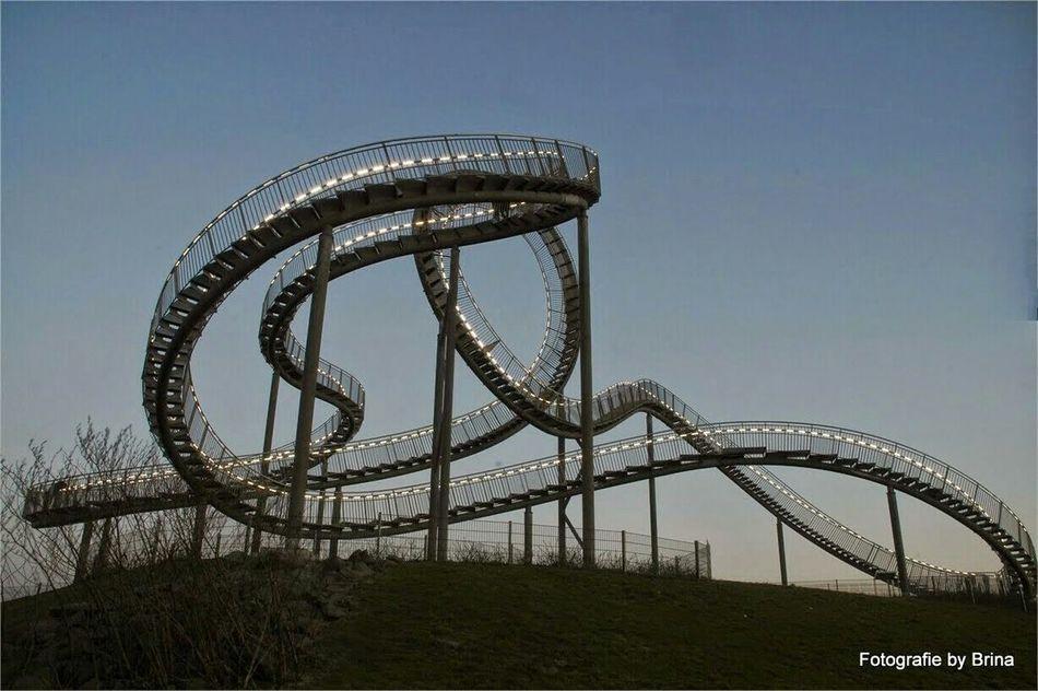 Ruhrgebiet Roller Coaster Achterbahn Blaue Stunde Angerbach | Duisburg Bluehour Tiger & Turtle Landmark