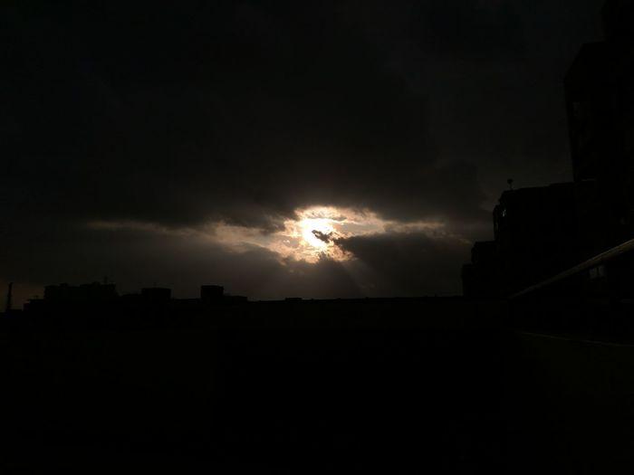 Cloud - Sky Dark Outdoors Scenics Sun Cloudscape Moody Sky Beauty In Nature Majestic Nature Sky City