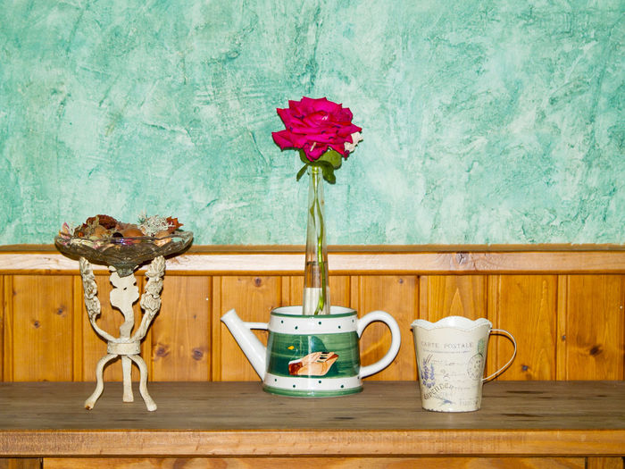Antique Art And Craft Crafts Fashion Objects Old-fashioned Vintage Style Antique Object Antiques Art Craft Decorated Decoration Decorations Decorative Domestic Room Flower Vase Old Decoration Old House Old-fashioned Roses Rural House Rural Life Rural Scene Vintage