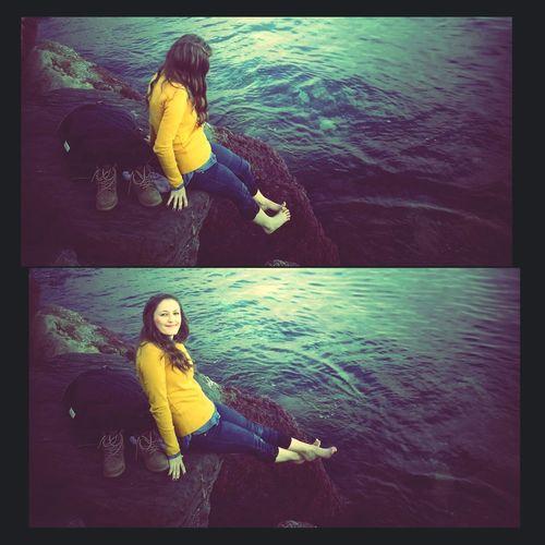 Ben denizime kavuşmuşum ayaklarım değmese olur mu ?? Deniz