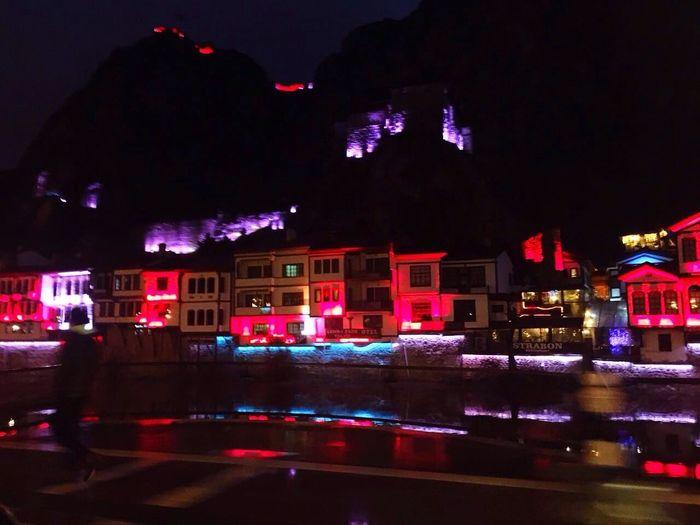 Amasyaevleri Amasya Dağ Yeşilırmak Kırmızı Mavi Sarı Mor Mountain Red Blue Yellow Purple Gece Night Karanlık Dark This Is Me! IPhone Iphonephotography