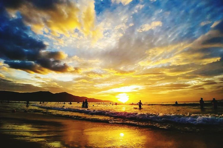 My khe beach, da nang city in viet nam top beautiful beach in asian, long beach withVacations sunset in the morning Beach Silhouette Beauty In Nature Travel Travel Destinations Vietnamtravel Danang, Vietnam Danangcity, Vietnam Topbeaches Asian  Tourism Tour First Eyeem Photo