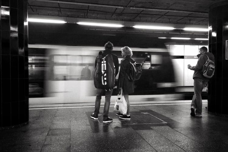 ᵂᴬᴵᵀᴵᴺᴳ ᶠᴼᴿ ᵀᴴᴱ ᴺᴱˣᵀ ᴼᴺᴱ Tadaa Friends Tadaa Community Iphone6splus Shootermag Eye4photography  Blurred Motion Real People Motion Subway Station Transportation IPhoneography Movement Blackandwhite Monochromatic Blackandwhite Photography Black & White B&w Mode Of Transport Travel B&w Street Photography Urban Iphonephotography Train Connected By Travel Mobility In Mega Cities