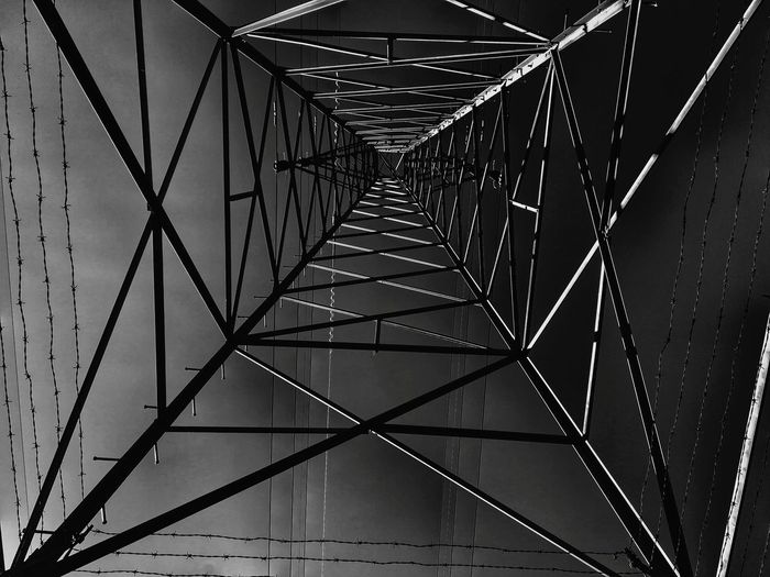 Current EyeEm Best Shots EyeEmNewHere EyeEmBison EyeEm Top View Electricity  Sky Blackandwhite Mist Vintage Danger EyeEmSelect EyeEm Selects Downtown District Focus On Foreground Backgrounds Steel Full Frame Girder Pattern Metal Architecture Close-up Built Structure Chainlink Fence Barbed Wire Wire Mesh Security Electricity Tower Suspension Bridge Wire